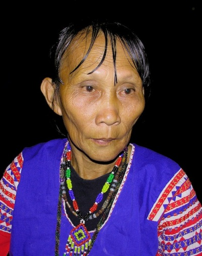 One of the last Mandaya Magbabayok (poet-performer) of Davao Oriental , photo by Danny C. Sillada