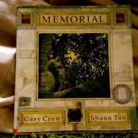 [Monday Reading] A Shaun Tan and Gary Crew Collaboration - Memorial and The Viewer