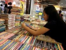 https://gatheringbooks.wordpress.com/2013/12/01/bhe-81-book-fairs-in-singapore-the-last-hurrah-part-5-of-5/