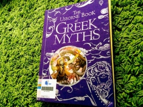 https://gatheringbooks.wordpress.com/2014/01/04/more-books-on-myths-gods-and-heroes/
