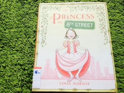 https://gatheringbooks.wordpress.com/2014/02/05/make-believe-princesses-in-picturebooks/