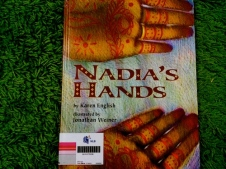 https://gatheringbooks.wordpress.com/2014/03/03/monday-reading-of-painted-hands-and-cowichan-sweaters/