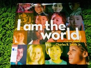 https://gatheringbooks.wordpress.com/2014/03/20/celebrating-diversity-in-i-am-the-world/