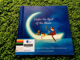 https://gatheringbooks.wordpress.com/2014/04/05/saturday-reads-under-the-spell-of-the-moon/
