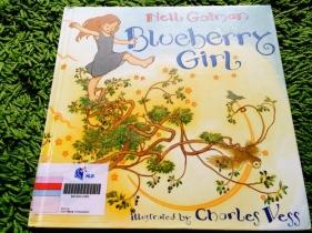 https://gatheringbooks.wordpress.com/2014/05/05/monday-reading-pregnant-moms-pecan-pie-and-blueberry-girls/