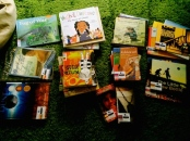 https://gatheringbooks.wordpress.com/2014/07/20/bhe-116-picturebooks-about-war-and-refugees-journeys-fiction-and-nonfiction-library-loot-part-1-of-2/