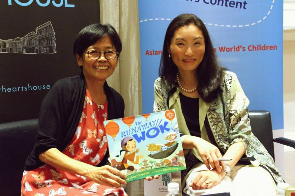 Ying Chang Compestine with Evelyn Wong, who is part of the AFCC Board of Advisors.