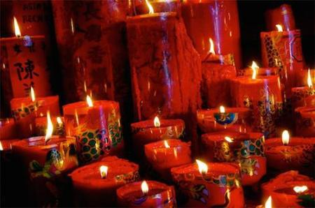 https://gatheringbooks.org/2014/07/22/photo-journala-z-photo-story-challenge-c-is-for-candles/