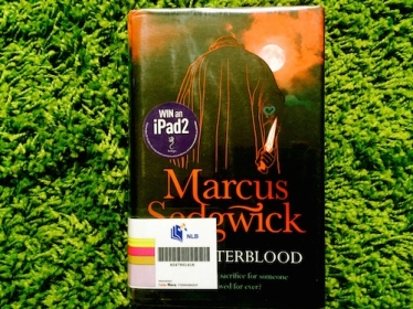 https://gatheringbooks.org/2014/10/16/the-moon-and-destiny-in-marcus-sedgwicks-midwinterblood/