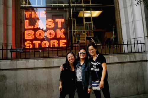 https://gatheringbooks.wordpress.com/2014/12/21/bhe-138-book-hunting-in-la-the-last-bookstore/