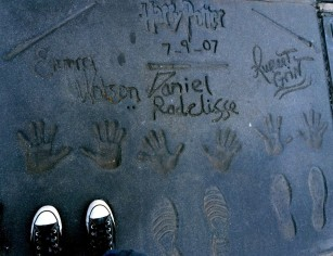 https://gatheringbooks.org/2015/01/20/photo-journal-geeky-handprints-at-tcl-chinese-theatre-los-angeles/
