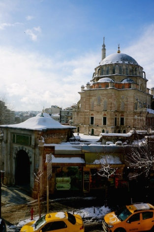 https://gatheringbooks.org/2015/04/07/photo-journal-snow-in-istanbul/