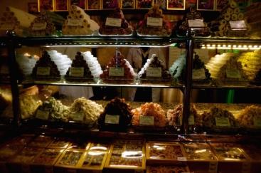 https://gatheringbooks.org/2015/03/17/photo-journal-hafiz-mustafa-1864-literary-cafe-in-istanbul/