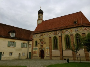 https://gatheringbooks.org/2015/09/08/photo-journal-a-small-chapel-in-the-biggest-youth-library-housed-in-a-castle-bluntenburg-in-munich/