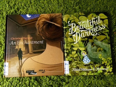 https://gatheringbooks.org/2015/10/05/monday-reading-of-enchantments-and-beautiful-darknesses-in-graphic-novels/