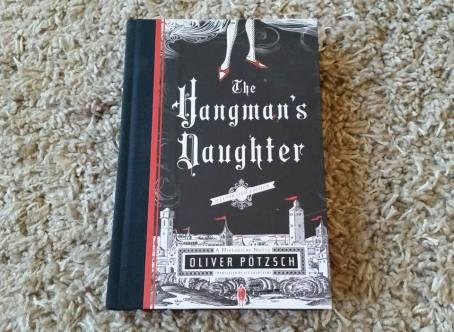 https://gatheringbooks.org/2015/10/18/bhe-181-quarter-dollar-books-at-the-everything-surplus-warehouse-sale/