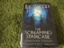 https://gatheringbooks.org/2015/12/14/monday-reading-ghosts-and-wraiths-heists-and-hauntings-in-leigh-bardugos-six-of-crows-and-jonathan-strouds-the-screaming-staircase/