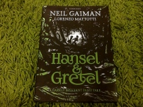 https://gatheringbooks.org/2016/01/04/monday-reading-gaimans-retelling-of-hansel-and-gretel-and-sleeping-beauty-in-the-sleeper-and-the-spindle/