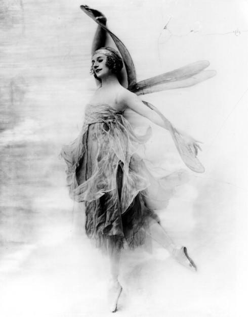 http://www.danceheritage.org/pavlova.html