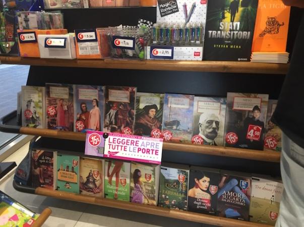 Bhe 229] book hunting in venice: libreria acqua alta and giunti al